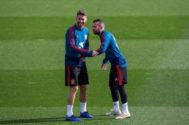 Sergio Ramos y Jordi Alba durante un entrenamiento de España previo al partido ante Croacia