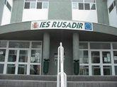 Puerta principal de acceso al Instituto de Educación Secundaria...