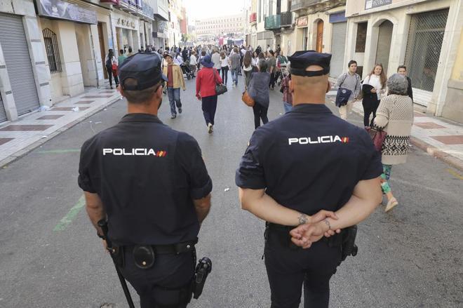 Agentes de la policía nacional en Málaga.