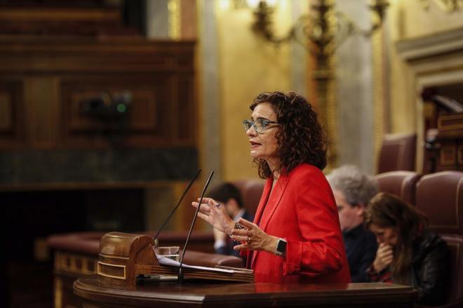 El Congreso cita a la ministra de Hacienda para que aclare las dudas sobre los Presupuestos
