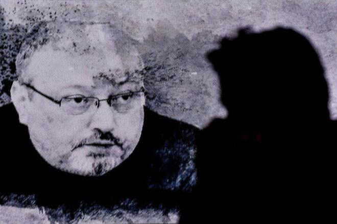 Retrato conmemorativo en honor al periodista Yamal Kashoggi, en Estambul.
