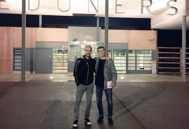 Pep Guardiola y Xavi Torres, en la cárcel de Lledoners.