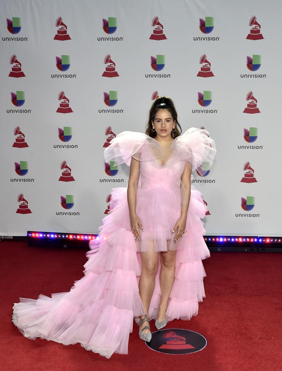 Rosalía, de Yolancris - Las mejor vestidas de los Grammy Latinos