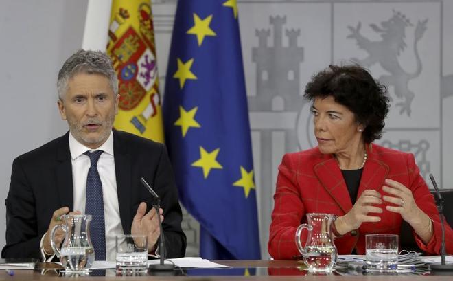 Fernando Grande-Marlaska e Isabel Celaá, en rueda de prensa tras el...