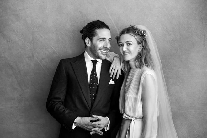 Carlos Torretta y Marta Ortega, en las fotos oficiales de su boda.