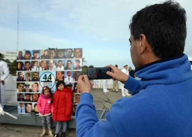 Homenaje a los 44 desaparecidos del ARA San Juan, ayer, en Mar del Plata.