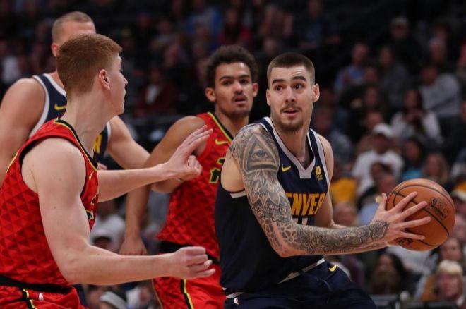 Juancho olvida sus problemas físicos y encuentra su hueco en la NBA