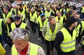"""Manifestación de los llamados """"chalecos amarillos"""" (Gilets jaunes)..."""