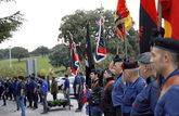 Acto celebrado ayer por militantes falangistas en el Valle de los...