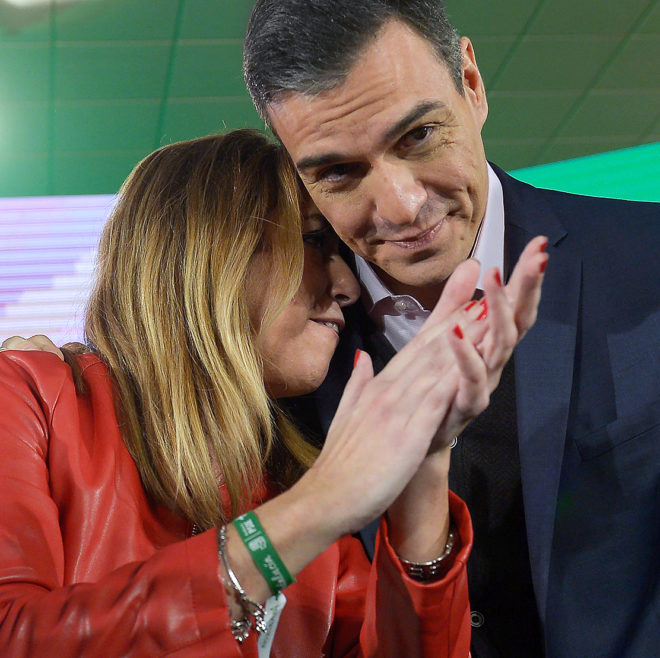 La candidata andaluza y el presidente del Gobierno, ayer en Chiclana...