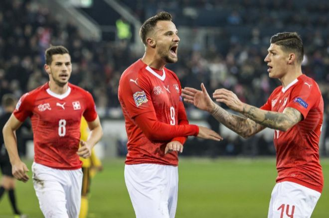 Seferovic celebra uno de sus tres goles ante Bélgica.