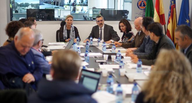La alcaldesa de Castellón,Amparo Marco, durante una reunión de seguridad.