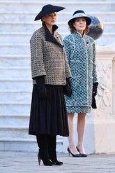 La mujer del príncipe Alberto ha elegido un 'look' discreto, con una...