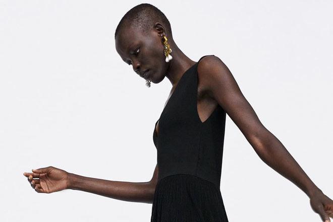 El vestido cumple todos los requisitos para convertirse en el 'best seller' de este mes.