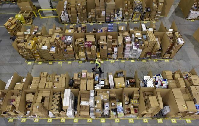 En la plataforma logística de Amazon se preparan para el Black Friday