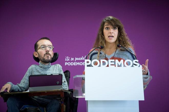 Pablo Echenique y Noelia Vera, en rueda de prensa tras la reunión del...