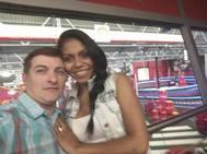 César Román junto a su novia Heidi Paz.