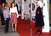 La Reina ha hecho un guiño a la Cruz Roja al elegir esos colores para...