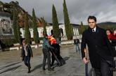 Luis Alfonso de Borbón, bisnieto de Franco, sale de la basílica del...