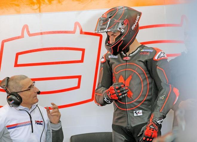 Jorge Lorenzo, antes de probar su nueva moto en el circuito de Cheste.