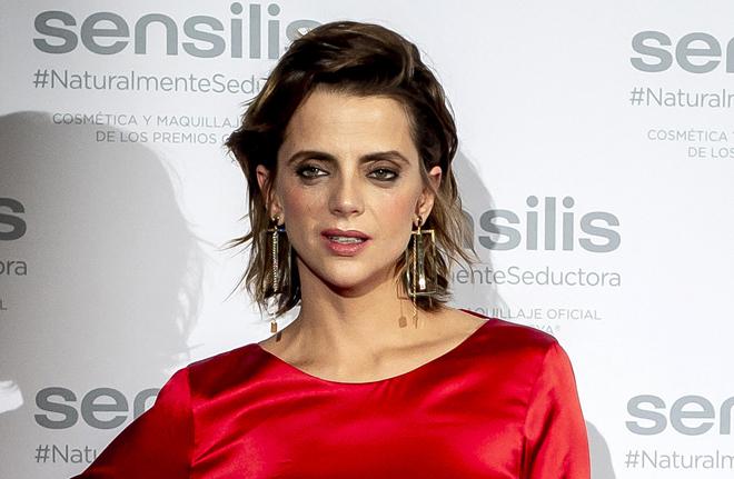 0ba9071ba Zara  Macarena Gómez y el vestido rojo para triunfar esta Navidad ...