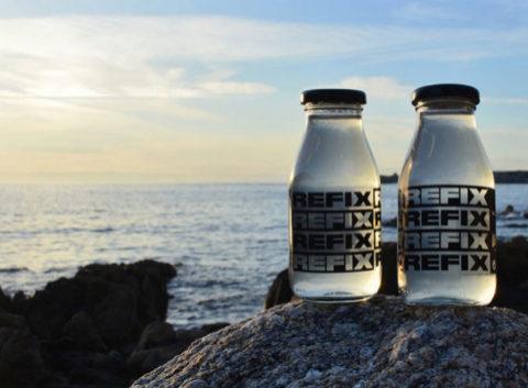 Imagen promocional de la firma gallega de agua Refix.