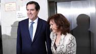 Antonio Garamendi, presidente de la Confederación Española de Organizaciones Empresariales (CEOE), y Carmen Calvo, vicepresidenta del Gobierno.