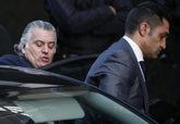Luis Bárecenas (izquierda), junto a su entonces chófer, Sergio...