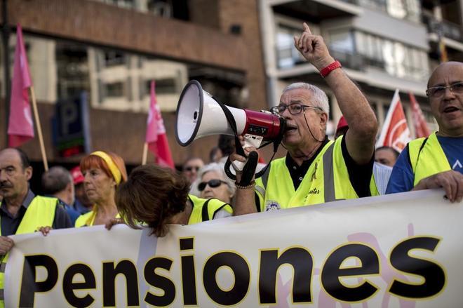 Manifestación de pensionistas en Valencia para exigir unas pensiones dignas