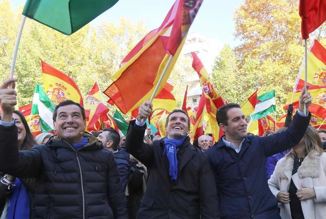 El presidente del PP, Pablo Casado, el secretario general, Teodoro...