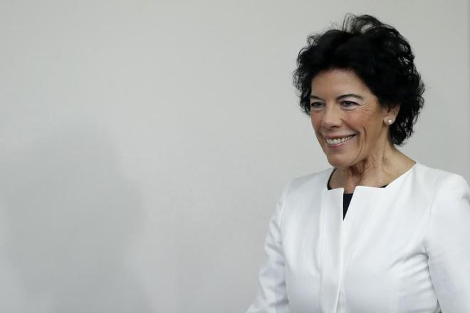 La ministra de Educación, Isabel Celaá, durante la rueda de prensa...