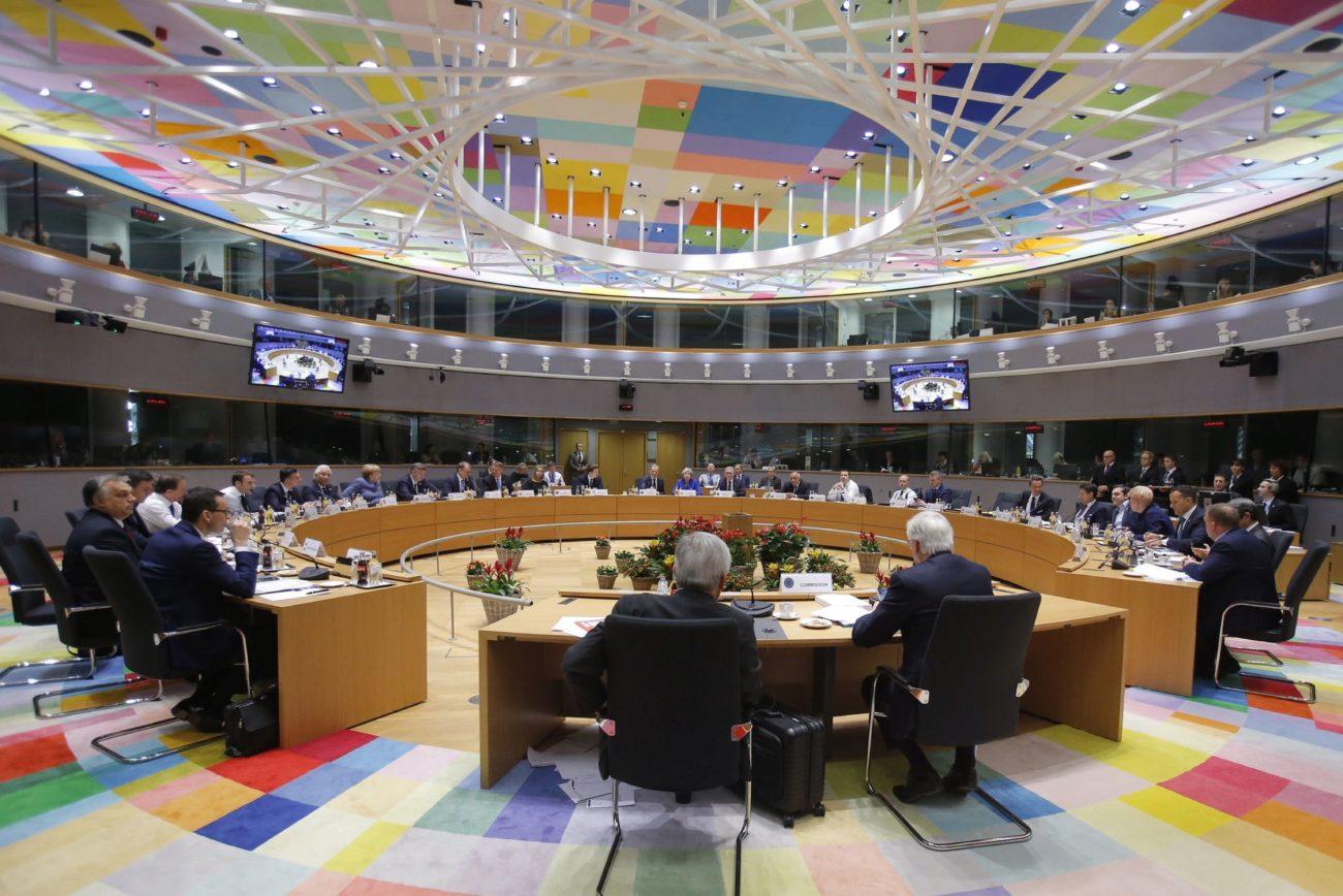 Los líderes de los 27 Estados Miembros de la Unión Europea reunidos...