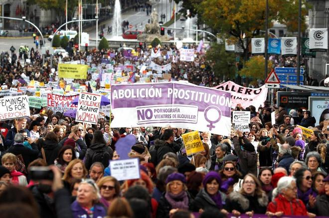 Miles de personas salen a la calle en repulsa de la violencia machista...