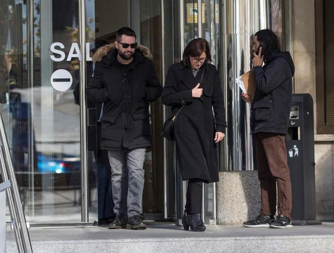 El humorista Dani Mateo, a su salida de los juzgados de Plaza de Castilla en Madrid.