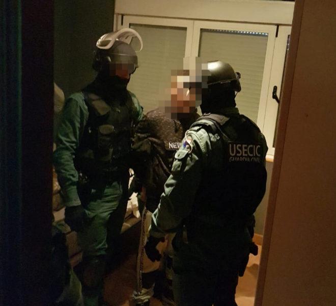 Fotografía facilitada por la Guardia Civil del momento de la...
