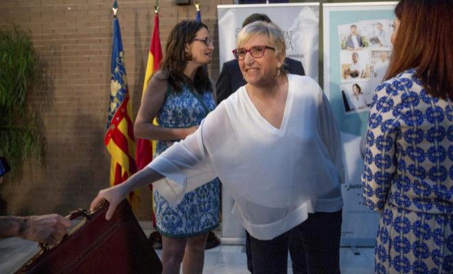 La consellera de Sanidad Ana Barceló, el día en que tomó el testigo de Carmen Montón al frente de la sanidad valenciana.