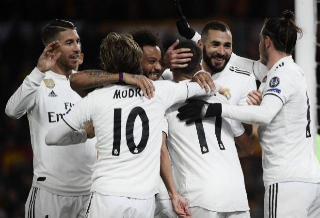 Los jugadores del Real Madrid celebran uno de los goles ante la Roma.