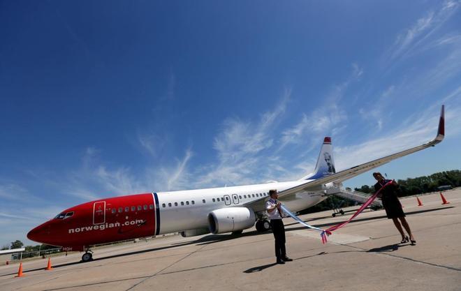 Un avión de la compañía noruega en la inauguración de uno de sus vuelos.