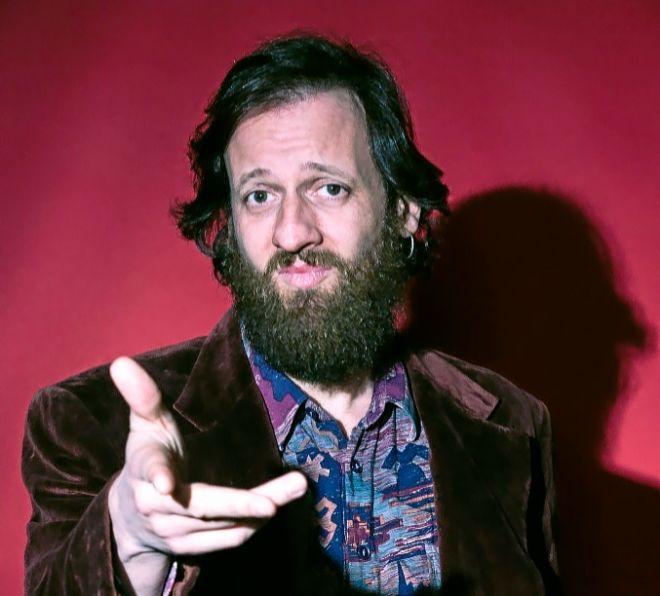 El actor y humorista Edu Soto, que viene a Trui Teatre con 'Más vale solo que ciento volando'.