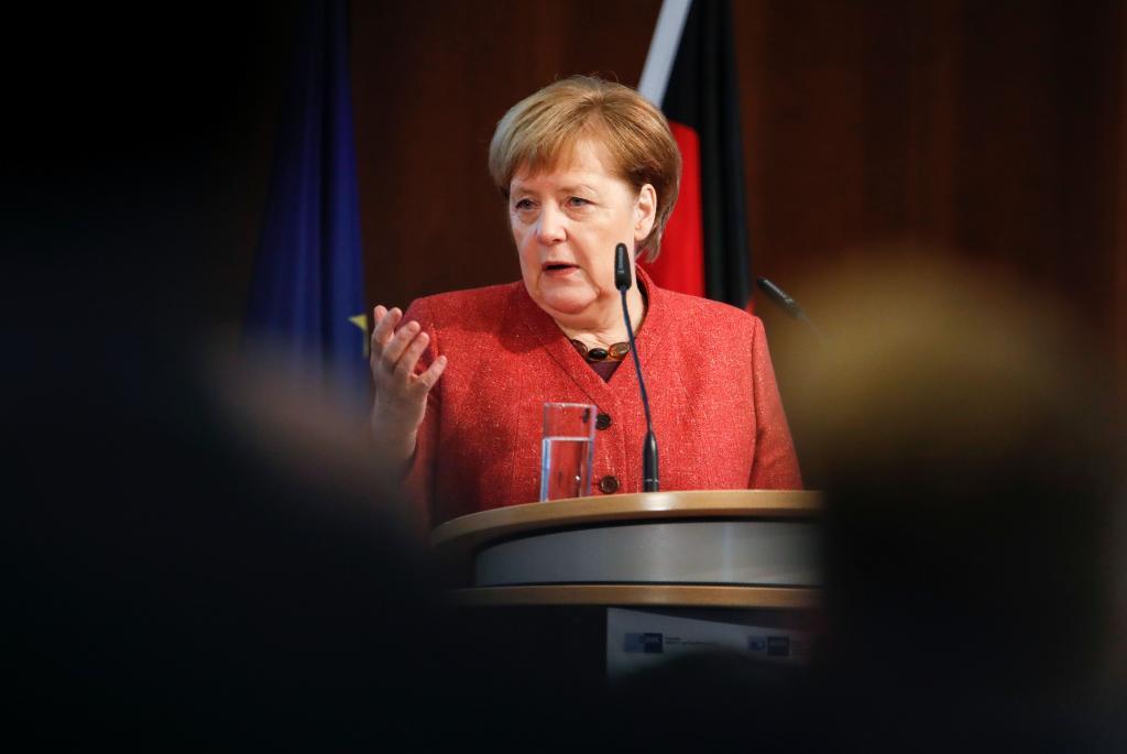 La canciller alemana interviene en el foro económico de Ucrania y Alemania celebrado en Berlín.