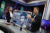 Pablo Alborán recibió en El Hormiguero su quinto disco de platino...