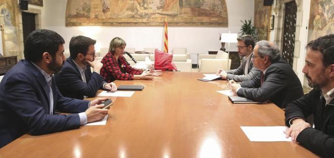 El presidente de la Generalitat, Quim Torra, se reúne el miércoles con el vicepresidente Pere Aragonès y los consejeros de Salud y Trabajo para exigirles que solucionen las huelgas .