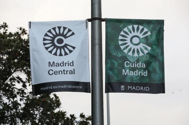 Carteles de Madrid Central.