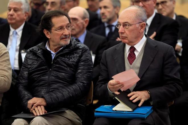 de izquierda a derecha, el ex presidente de Bankia, Rodrigo Rato, y el ex vicepresidente de Caja Madrid, Jose Antonio Moral Santin.