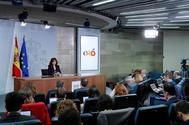La vicepresidenta del Gobierno, Carmen Calvo, en rueda de prensa tras el Consejo de Ministros.