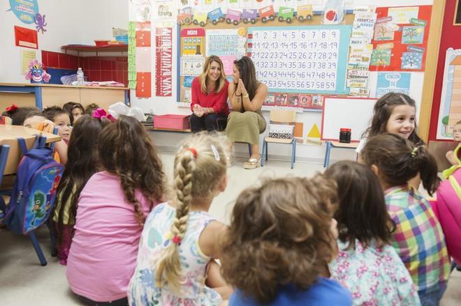 La presidente de la Junta de Andalucía, Susana Díaz, en el colegio...