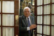 El ministro de Exteriores, Josep Borrell, al abandonar un Pleno del Congreso.