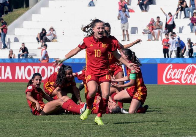 Las jugadoras de la selección española celebran su victoria en un partido  del Mundial sub 17. MIGUEL ROJOAFP-PHOTO 6bdbb4e62ed27