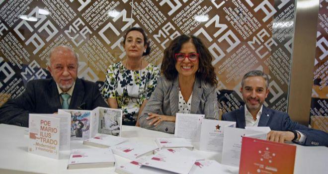 Miquel Valor, Rosa Castells, Dolores Padilla y José Luis Pérez Pont, con el libro editado.