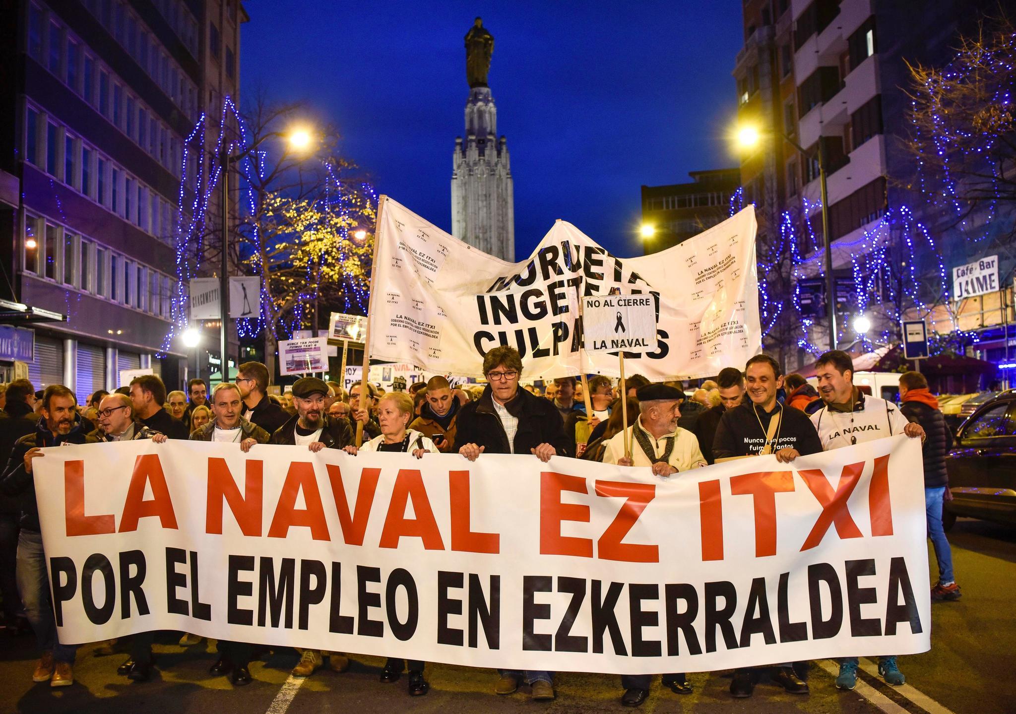 Cabeza de la manifestación por las calles de Bilbao.
